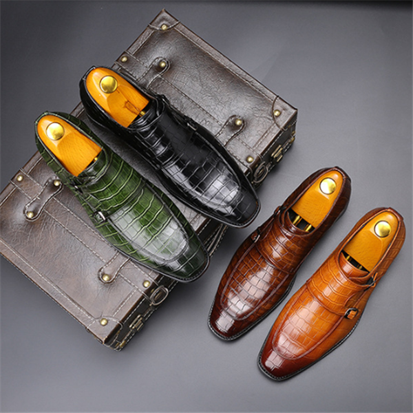 Business pointed leather shoes