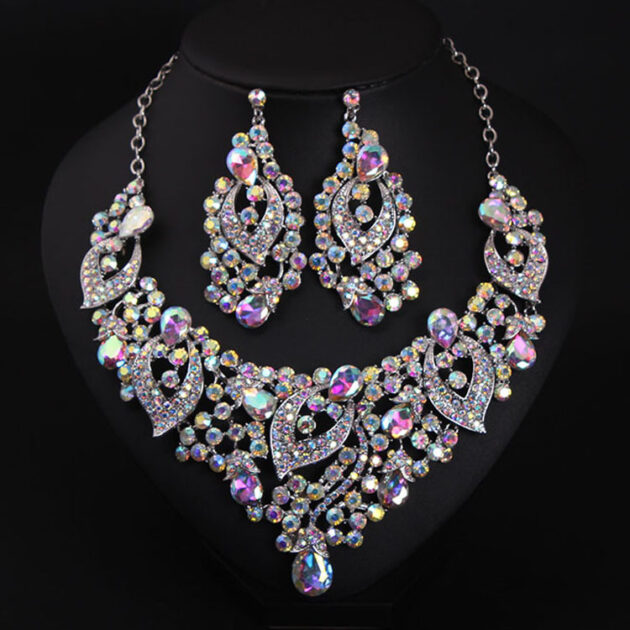 Europe and the United States big luxury COLOR CRYSTAL JEWEL short clavicle Necklace Earrings Set exaggerated bride dress ornaments