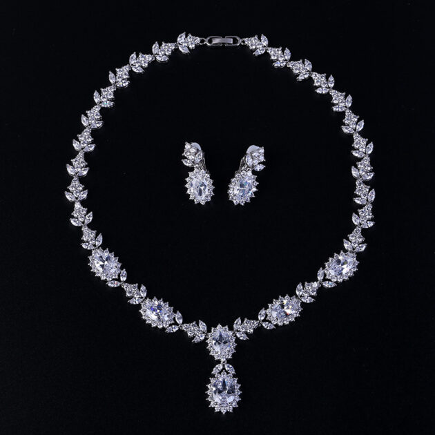 Fast selling hot fashion bridal suite jewelry, copper inlaid zircon necklace, earring earrings, pineapple jewelry manufacturers