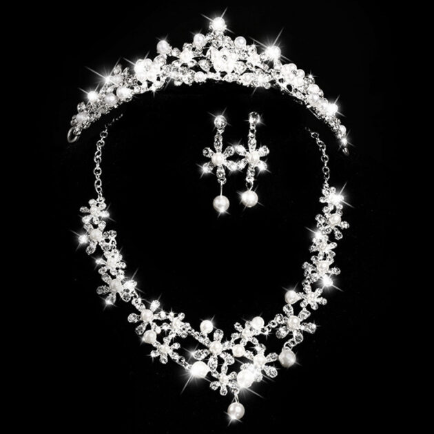 Bridal headdress, three sets of crystal flower necklace, diamond earrings, European and American Wind crown, wedding jewelry