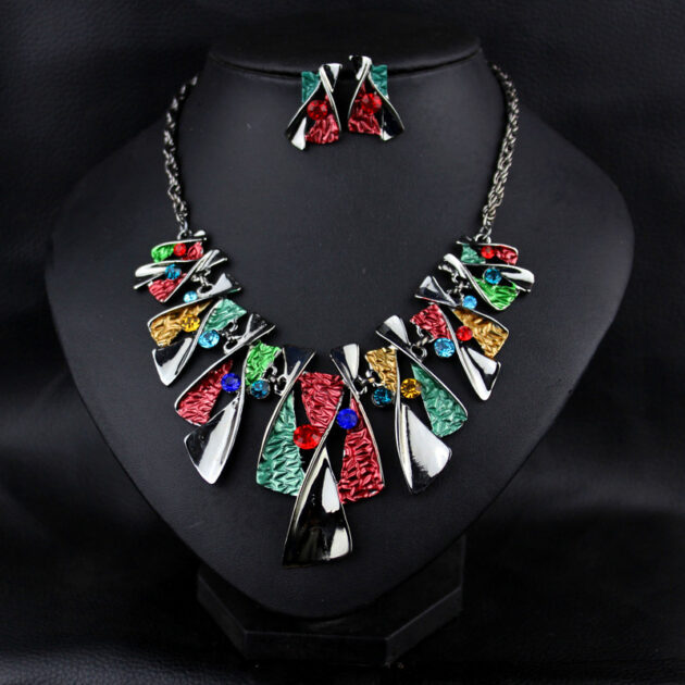 Special offer big European and American fashion color alloy diamond necklace earrings set bride jewelry factory direct