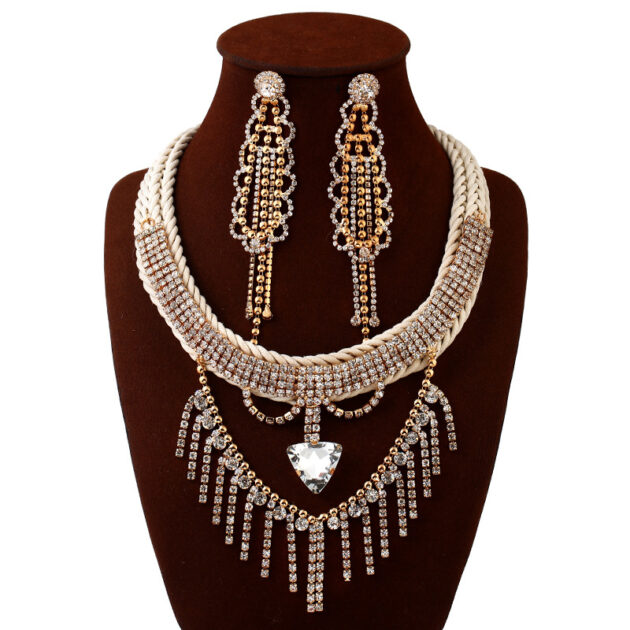 The new 76275L fashion popular wedding bride Necklace exaggerated Diamond Earrings Necklace Set