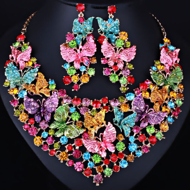 Handmade polychrome Butterfly Crystal Necklace Earrings luxury luxury diamond jewelry set for the Middle East and Africa